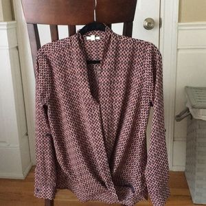 Pleione Tops - Flowy patterned blouse